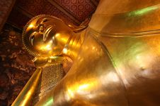 Free Big Golden Reclining Buddha Royalty Free Stock Images - 16158159
