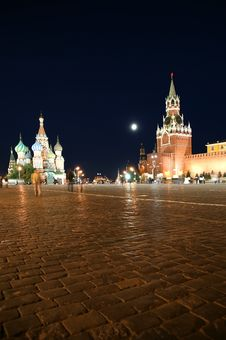 Free Red Square At Night Royalty Free Stock Photography - 16163887