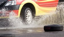 Free Racing Car Entering Water Royalty Free Stock Images - 16171309
