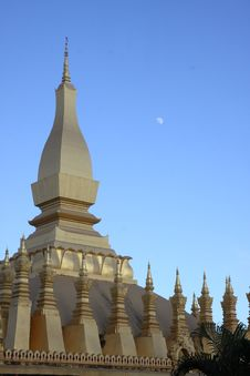 Free Golden Stupa In Vientiane-lao Royalty Free Stock Photography - 16172027