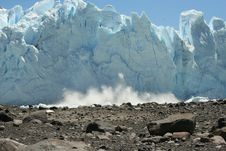 Free Falling Iceberg Royalty Free Stock Image - 16172986