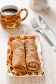 Free Pancakes With Meat Filling On The Wooden Table Royalty Free Stock Photo - 16175205