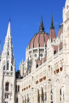 Free Hungarian Parliament Royalty Free Stock Photos - 16175838