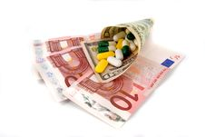 Free Pills And Money Royalty Free Stock Photo - 16182545