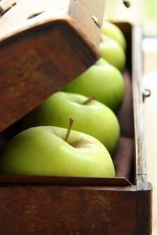 Free Green Apples Royalty Free Stock Image - 16183036