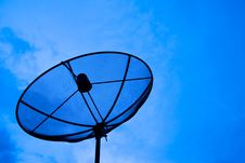 Free Black Satellite Dish Royalty Free Stock Images - 16184739