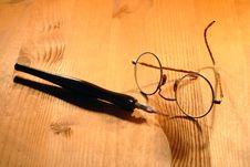 Free Vintage Eyeglasses Royalty Free Stock Photo - 16187395