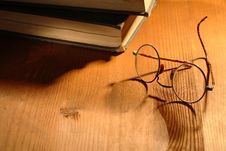 Free Old Books And Spectacles Royalty Free Stock Photos - 16187418