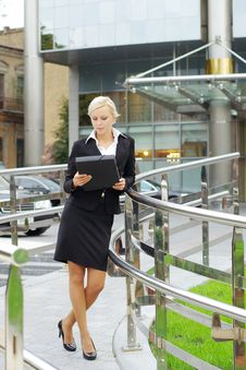 Free Young Attractive Business Woman Royalty Free Stock Photography - 16188037