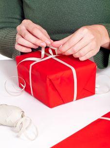 Free Women Wrapping Gitf Box Stock Photos - 16196113