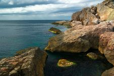 Free Rocks And Sea Royalty Free Stock Photo - 16196155