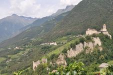 Free Castle In South Tyrol Royalty Free Stock Photos - 16196288