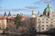 Free Charles Bridge In Prague Royalty Free Stock Photos - 16197118