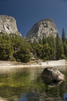 Free Yosemite National Park In California Royalty Free Stock Photography - 16198907