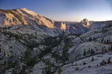 Free Mountains Of Yosemite National Park Royalty Free Stock Photography - 16199007