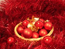 Free Red Christmas Balls On A Basket And Garland Stock Images - 1624364