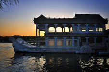 Free Beijing Summer Palace Boat And Lake Royalty Free Stock Images - 16200299