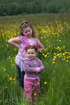Free Sisters Royalty Free Stock Photos - 16200588
