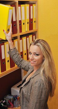 Free Business Woman Taking Folder Royalty Free Stock Photos - 16213928