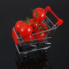 Organic Tomatoes In Shopping Cart - Square Crop Stock Images