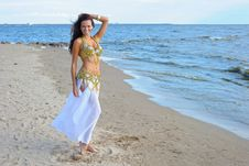 Free Beautiful Woman In Exotic Dress Royalty Free Stock Photos - 16219528