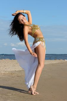 Free Graceful Woman In Exotic Dress Stock Photography - 16219572