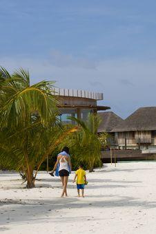 Free Child, Beach And Fun Royalty Free Stock Photo - 16220415
