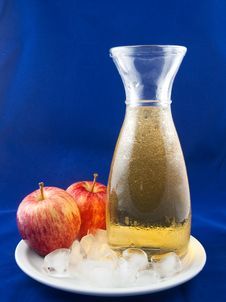 Free Cold Apple Juice Stock Images - 16227174