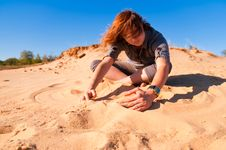 Free Girl Playing With Sand Stock Image - 16228151