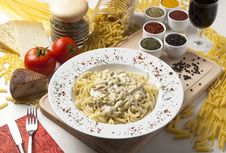 Free Pasta And Cheese Royalty Free Stock Images - 16229789