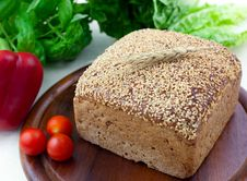 Free Fresh Brown Bread Royalty Free Stock Photo - 16232175