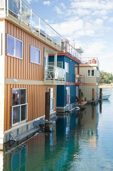 Free Float Homes Or Marina Village Royalty Free Stock Photos - 16234208