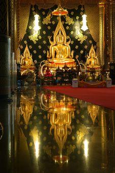 Free Statue Of A Gold Buddha, Bangkok, Thailand Royalty Free Stock Photo - 16234505