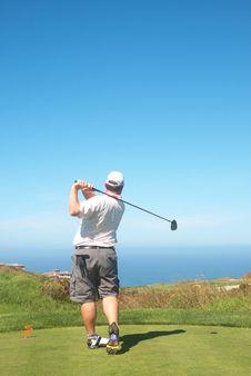 Free Golfer On The Tee Box Royalty Free Stock Photos - 16236398