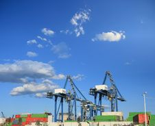 Free Containers Cranes Royalty Free Stock Photo - 16240875