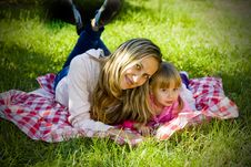 Free A Little Girl With Her Mother Royalty Free Stock Photography - 16241027