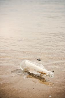 Free Message In A Bottle Stock Photography - 16243772