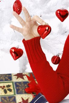 Free Hand Holding A Christmas Heart Royalty Free Stock Photography - 16247137