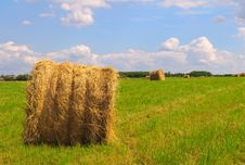 Free Straw Bales On Field Stock Photo - 16248080