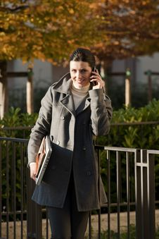 Free Young Woman On The Mobile Phone Royalty Free Stock Photo - 16250015
