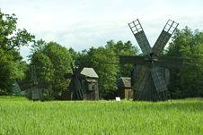 Free Windmills Royalty Free Stock Photo - 16256625