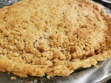 Free Crumbly Crusted Apple Pie Stock Photos - 162501863