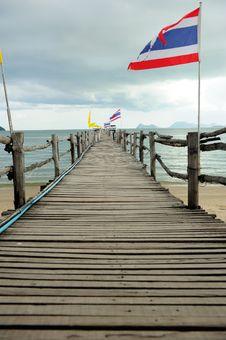 Free Wood Bridge To The Sea Stock Photo - 16262990