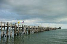 Free Wood Bridge To The Sea Royalty Free Stock Photo - 16263035