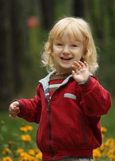 Blonde Girl On A Walk In The Park Royalty Free Stock Photography
