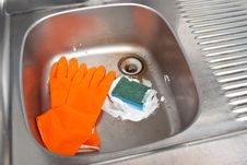 Free Cleaning The Kitchen Sink Stock Photos - 16266883