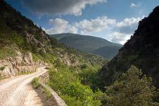 Free Road Toward Mountains Royalty Free Stock Image - 16268166