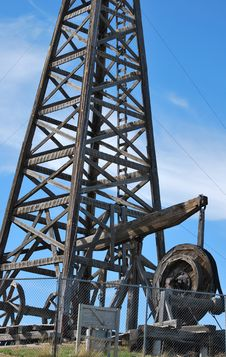 Free Wooden Oil Rig. Stock Images - 16268824