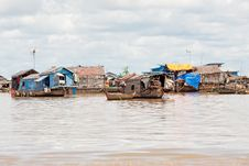 Free Fishing Village On Tonle Sap Lake Stock Photo - 16282840