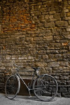 Free Old Bike Stock Images - 16283594